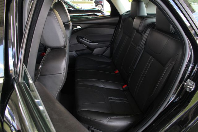 2013 Ford Focus Titanium - NAVIGATION - SUNROOF - HANDLING PKG! Mooresville , NC 11