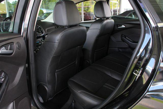 2013 Ford Focus Titanium - NAVIGATION - SUNROOF - HANDLING PKG! Mooresville , NC 37
