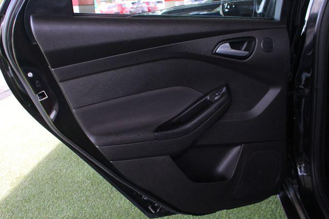 2013 Ford Focus Titanium - NAVIGATION - SUNROOF - HANDLING PKG! Mooresville , NC 41