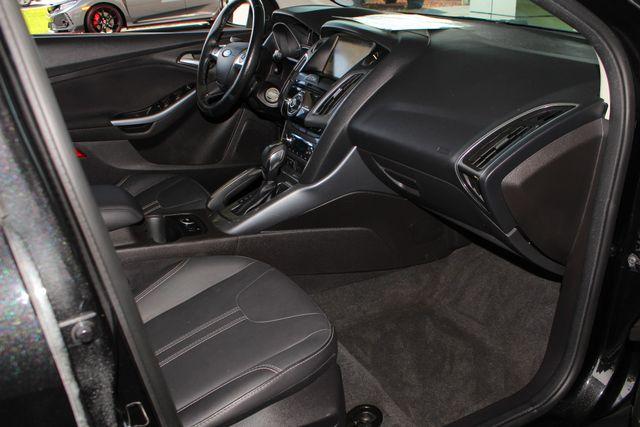 2013 Ford Focus Titanium - NAVIGATION - SUNROOF - HANDLING PKG! Mooresville , NC 31