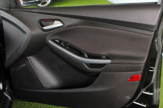 2013 Ford Focus Titanium - NAVIGATION - SUNROOF - HANDLING PKG! Mooresville , NC 40