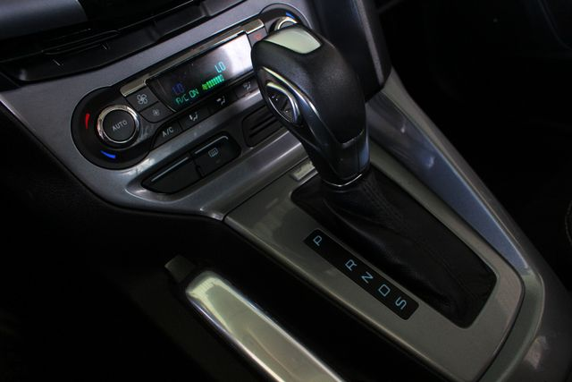 2013 Ford Focus Titanium - NAVIGATION - SUNROOF - HANDLING PKG! Mooresville , NC 35