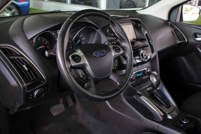 2013 Ford Focus Titanium - NAVIGATION - SUNROOF - HANDLING PKG! Mooresville , NC 30