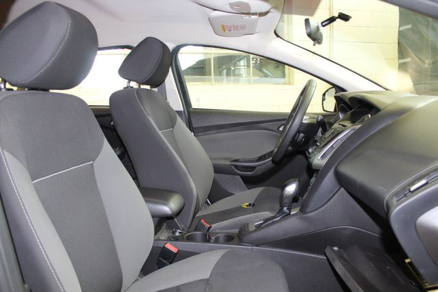 2013 Ford Focus Se LOW MILE, WINTER READY. PRICED RIGHT! Saint Louis Park, MN 24