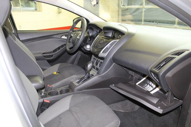 2013 Ford Focus Se LOW MILE, WINTER READY. PRICED RIGHT! Saint Louis Park, MN 25