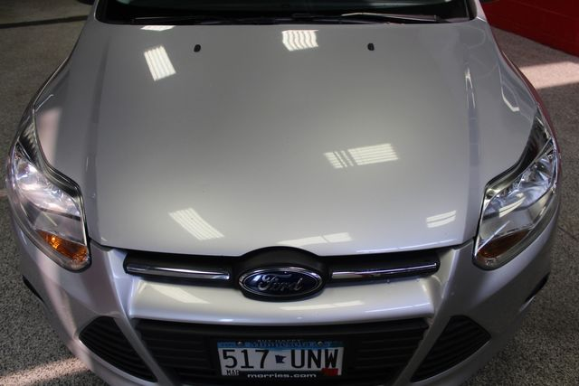 2013 Ford Focus Se LOW MILE, WINTER READY. PRICED RIGHT! Saint Louis Park, MN 26
