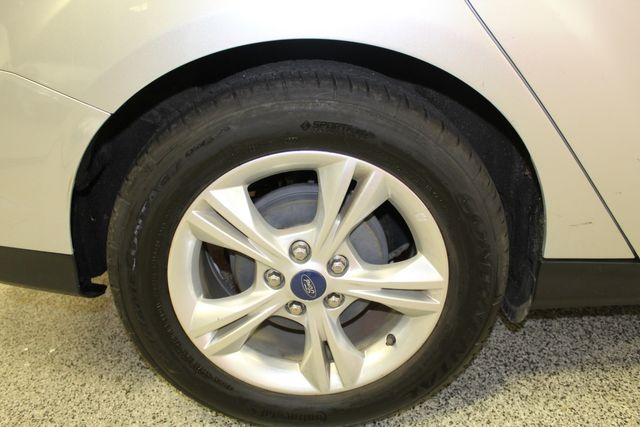2013 Ford Focus Se LOW MILE, WINTER READY. PRICED RIGHT! Saint Louis Park, MN 38
