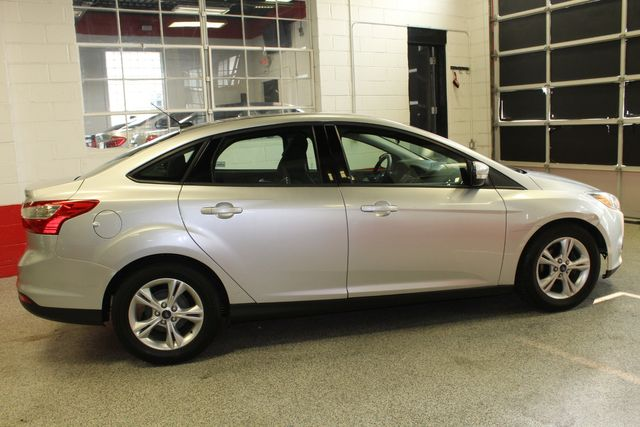 2013 Ford Focus Se LOW MILE, WINTER READY. PRICED RIGHT! Saint Louis Park, MN 1