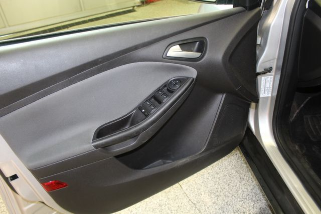 2013 Ford Focus Se LOW MILE, WINTER READY. PRICED RIGHT! Saint Louis Park, MN 7
