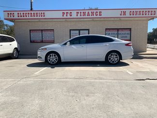 2013 Ford Fusion SE in Devine, Texas 78016