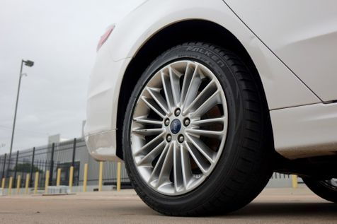 2013 Ford Fusion Hybrid SE*Nav*BU Cam*Sunroof*Leather* EZ Finance**   Plano, TX   Carrick's Autos in Plano, TX