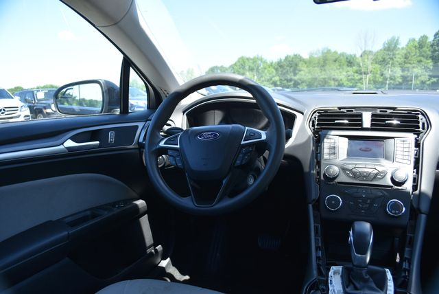 2013 Ford Fusion S Naugatuck, Connecticut 14