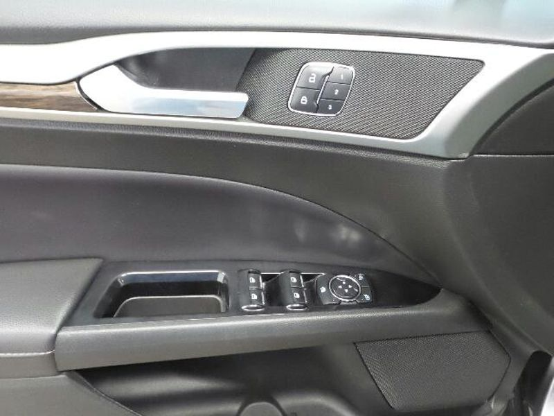 2013 Ford Fusion SE  in Victoria, MN