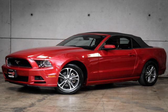 2013 Ford Mustang V6 Premium in Addison, TX 75001