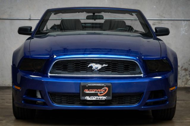 2013 Ford Mustang V6 in Addison, TX 75001