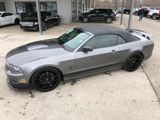 2013 Ford Mustang V6 Convertible in Gower Missouri, 64454