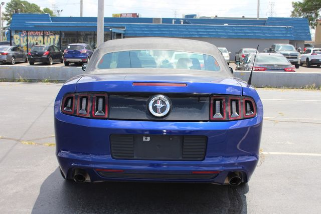 2013 Ford Mustang V6 in Memphis, Tennessee 38115