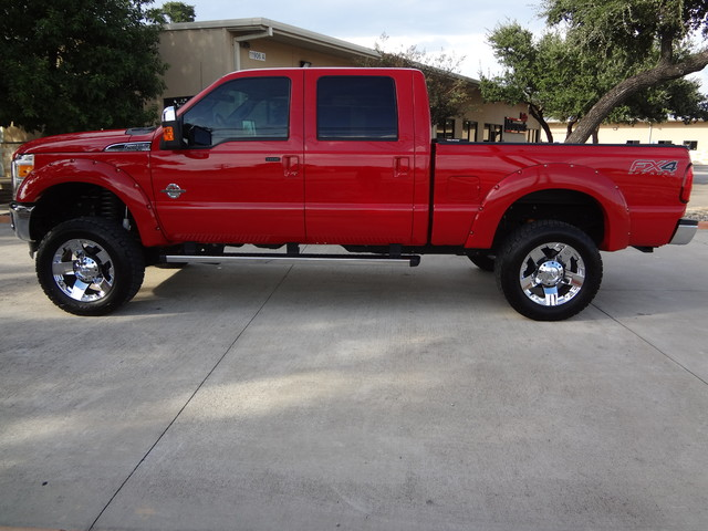 2013 Ford Super Duty F-250 Pickup Lariat Austin , Texas 1