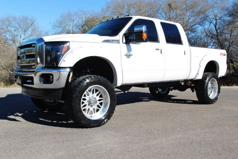 2013 Ford Super Duty F-250 Pickup Lariat in Liberty Hill , TX