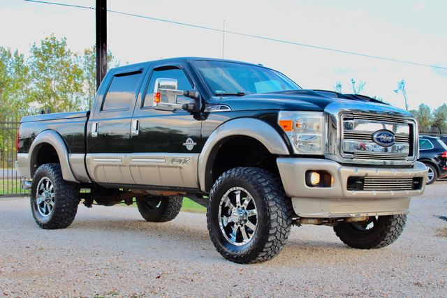 2013 Ford Super Duty F-250 Pickup Lariat Sealy, Texas 1
