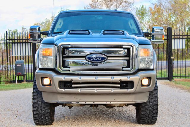 2013 Ford Super Duty F-250 Pickup Lariat Sealy, Texas 3