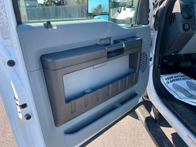 2013 Ford Super Duty F-550 DRW Chassis Cab XL in Ephrata, PA 17522