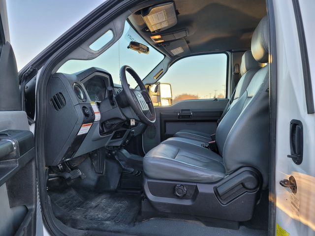 2013 Ford Super Duty F-550 DRW Chassis Cab XL Lake In The Hills, IL 10