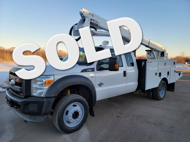2013 Ford Super Duty F-550 DRW Chassis Cab XL Lake In The Hills, IL 1