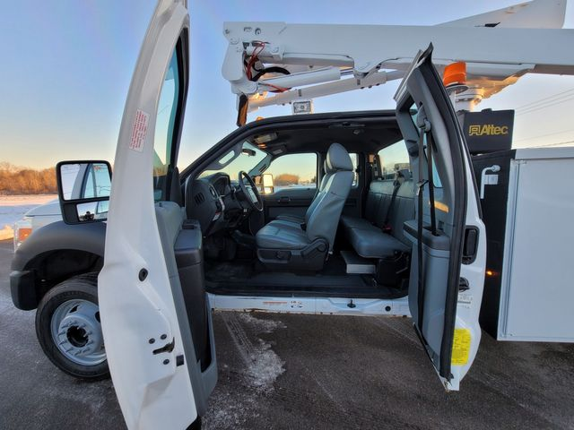 2013 Ford Super Duty F-550 DRW Chassis Cab XL Lake In The Hills, IL 16