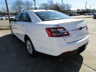 2013 Ford Taurus SE Houston, Mississippi 4