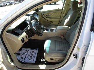 2013 Ford Taurus SE Houston, Mississippi 6