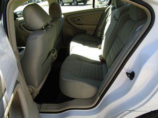 2013 Ford Taurus SE Houston, Mississippi 8
