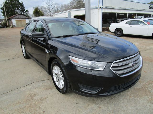 2013 Ford Taurus SE Houston, Mississippi 1