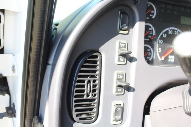 2013 Freightliner Business Class M2 18FT HBOX Box Truck - Straight Truck Irving, Texas 48