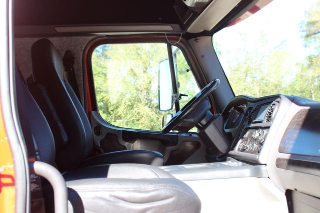 2013 Freightliner M2 106 SportChassis RHA Luxury Ranch Hauler CONROE, TX 23