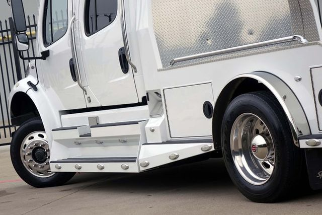 2013 Freightliner M2 106 Hauler Sport Chassis in Carrollton, TX 75006