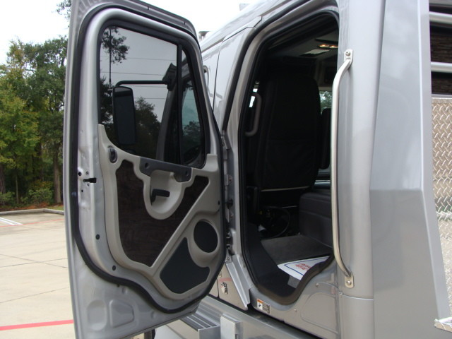 2014 Freightliner M2 106 SPORT SPORTCHASSIS RHA CONROE, TX 34