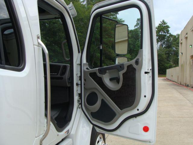 2013 Freightliner M2 106 SPORT SPORTCHASSIS RHA CONROE, TX 24