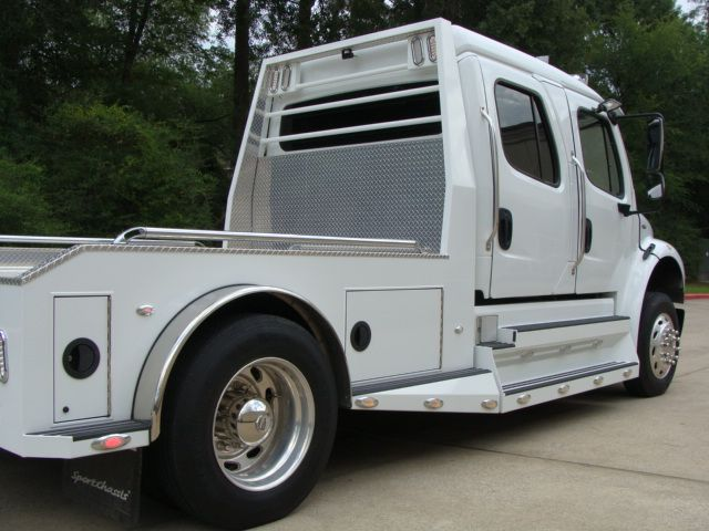 2013 Freightliner M2 SPORTCHASSIS RHA LUXURY RANCH HAULER MEDIUM DUTY CONROE, TX 21
