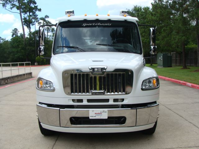 2013 Freightliner M2 SPORTCHASSIS RHA LUXURY RANCH HAULER MEDIUM DUTY CONROE, TX 4
