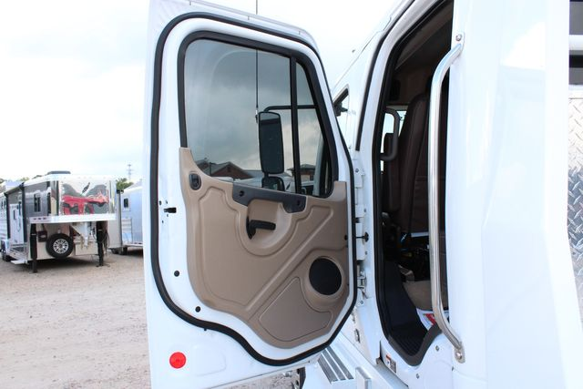 2013 Freightliner M2 SPORTCHASSIS RHA LUXURY RANCH HAULER MEDIUM DUTY CONROE, TX 32