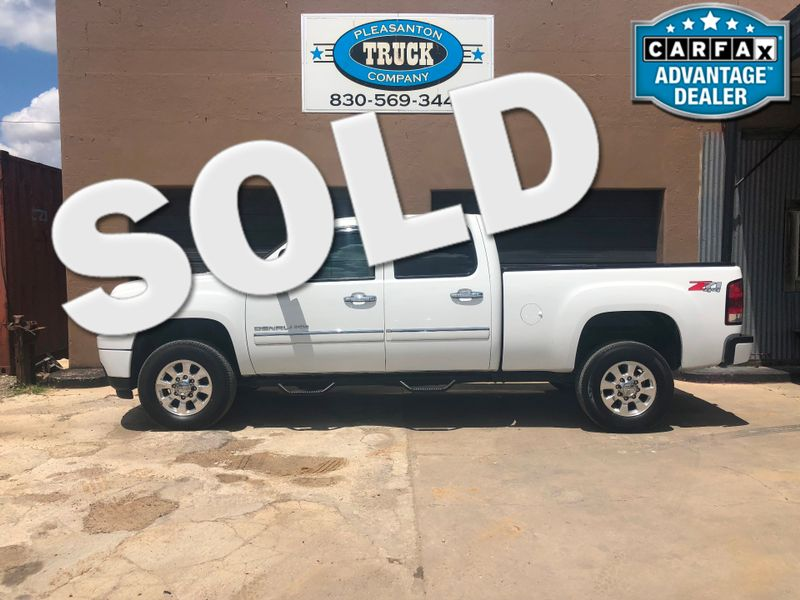 2013 GMC Sierra 2500HD Denali | Pleasanton, TX | Pleasanton Truck Company in Pleasanton TX