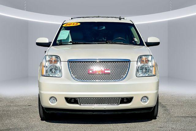 2013 GMC Yukon Denali Rear DVD Entertainment, Power Side Steps, Sunroof in Memphis, TN 38115