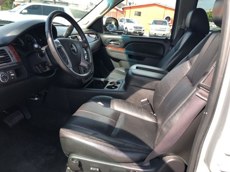 2013 GMC Yukon XL SLT  city LA  AutoSmart  in Gretna, LA