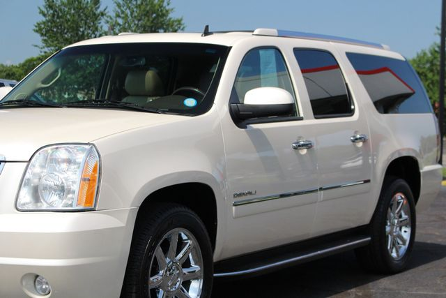 2013 GMC Yukon XL Denali AWD - NAVIGATION - DUAL DVDS - SUNROOF! Mooresville , NC 29