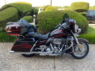 2013 Harley-Davidson CVO Ultra Classic Electra Glide FLHTCUSE8 in McKinney, TX 75070