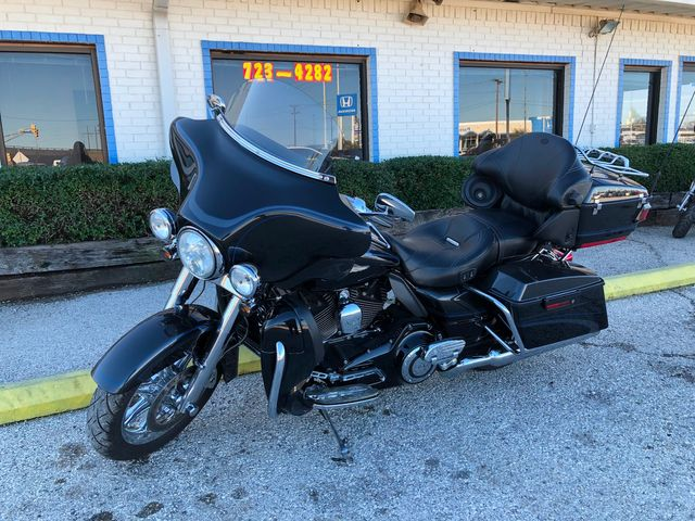 2013 Harley-Davidson Electra Glide® CVO™ Ultra Classic® 110th Anniversary Edition