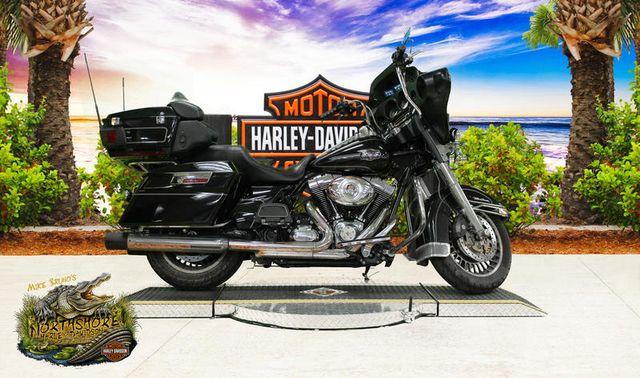 2013 Harley-Davidson® FLHTCU - Electra Glide® Ultra Classic®