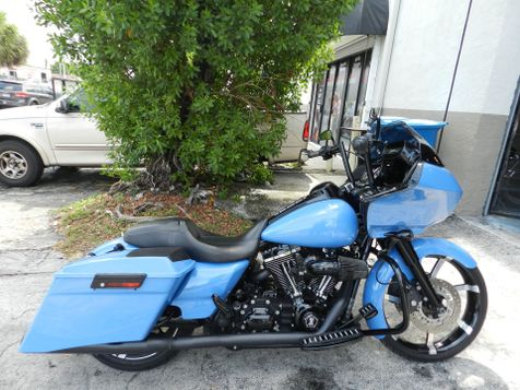 2013 Harley-Davidson Road Glide Custom FLTRX OVER $15K IN EXTRAS! CUSTOM BAGGER **WARRANTY! in Hollywood, Florida