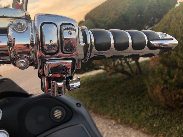 2013 Harley-Davidson Road Glide® Custom in McKinney, TX 75070